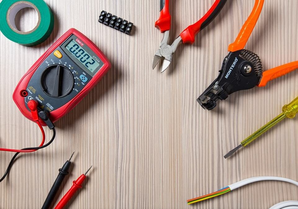 What You Need To Know When Hiring An Electrician